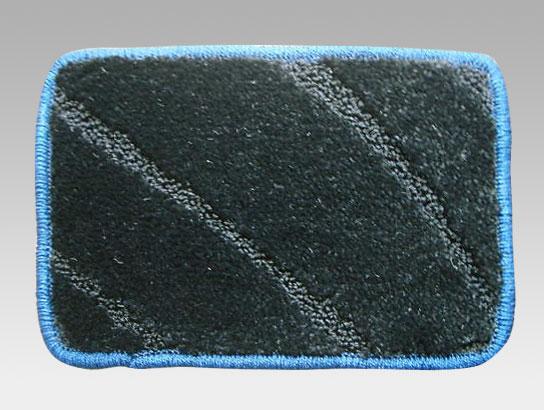 4. ブルー